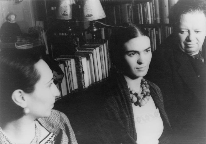 Ah Frida Kahrolsun – Üstünkörü Frida ve ÇarpıcıYaşamı